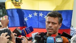 Leopoldo López hablando desde la embajada española de Caracas.