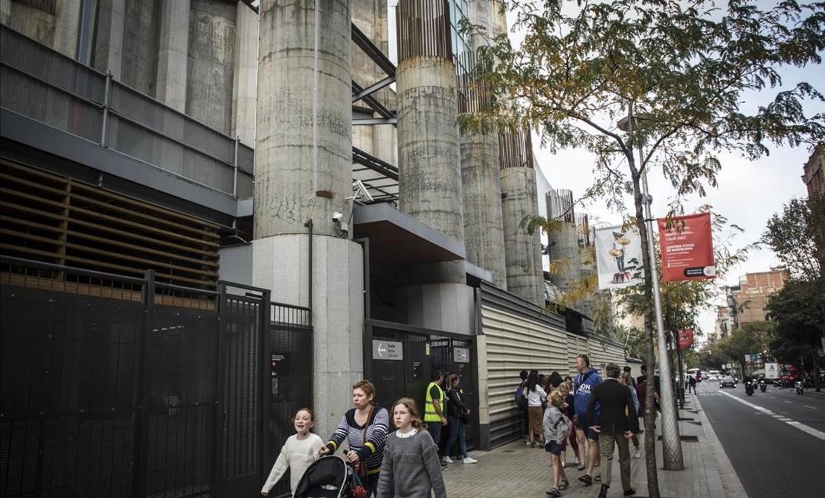 Columnas del portal de la Gloria de la Sagrada Família, en la calleMallorca.