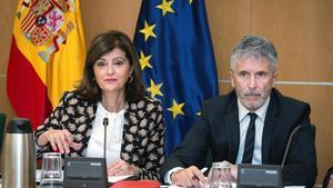 La secretaria de Estado de Interior, Ana Botella, junto al ministro del Interior, Fernando Grande-Marlaska.