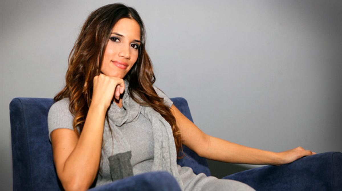 La cantante India Martínez interpreta la canción 'Aléjate de mi' en acústico para EL PERIÓDICO.
