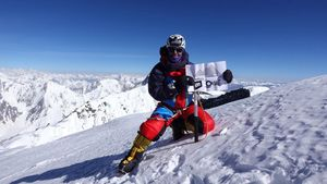 Sergi Mingote en la cima del Broad Peak  a 8.047 metros.