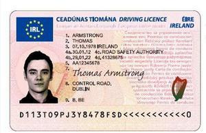 Anverso del nuevo carnet de conducir europeo.