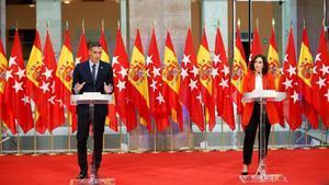 Sánchez y Ayuso, el lunes,tras reunirse en la sede del Gobierno regional de Madrid.