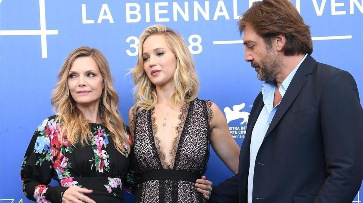 Michelle Pfeiffer, Jennifer Lawrence y Javier Bardem, en la presentación de 'Madre!' en la Mostra.