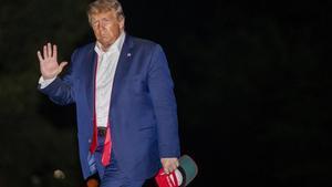 Trump a su regreso a Washingtonel pasado domingo tras el mitin enTulsa.