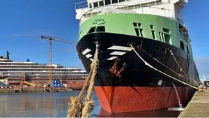 """El """"Margiris"""", amarrado esta semana en el puerto de Vigo."""