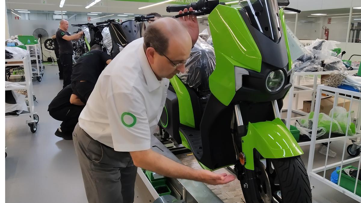 Fábrica de motos Silence.