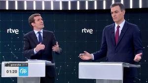 Pablo Casado y Pedro Sánchez, en el debate de RTVE.