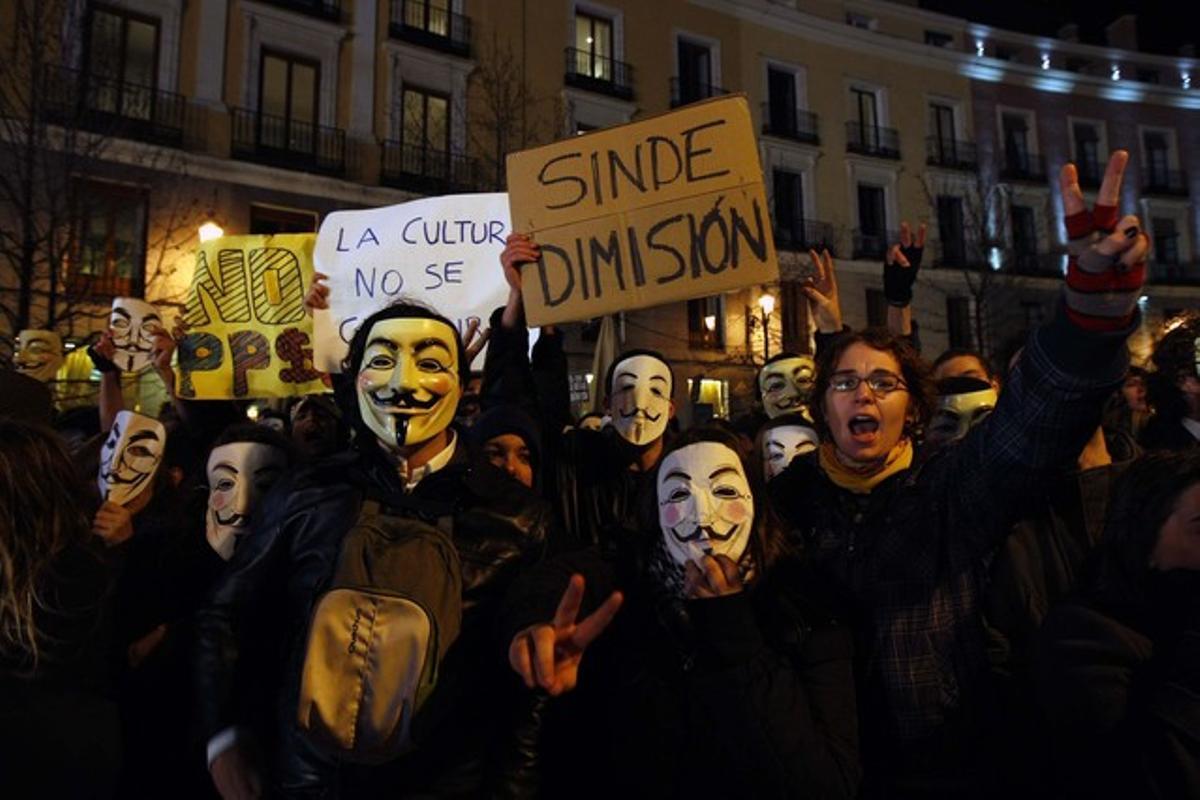 Protesta de simpatizantes de Anonymous en la gala de los premios Goya, el pasado febrero.