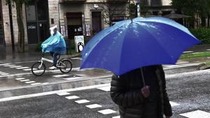 Lluvia en Barcelona, este sábado por la mañana.