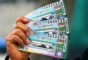 La rifa del avión presidencial mexicano concluyó con 100 premios de unos 945.000 dólares.