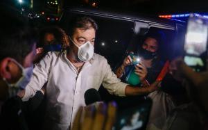 El opositor Roberto Marrero, al salir de la cárcel tras el indulto de Maduro.