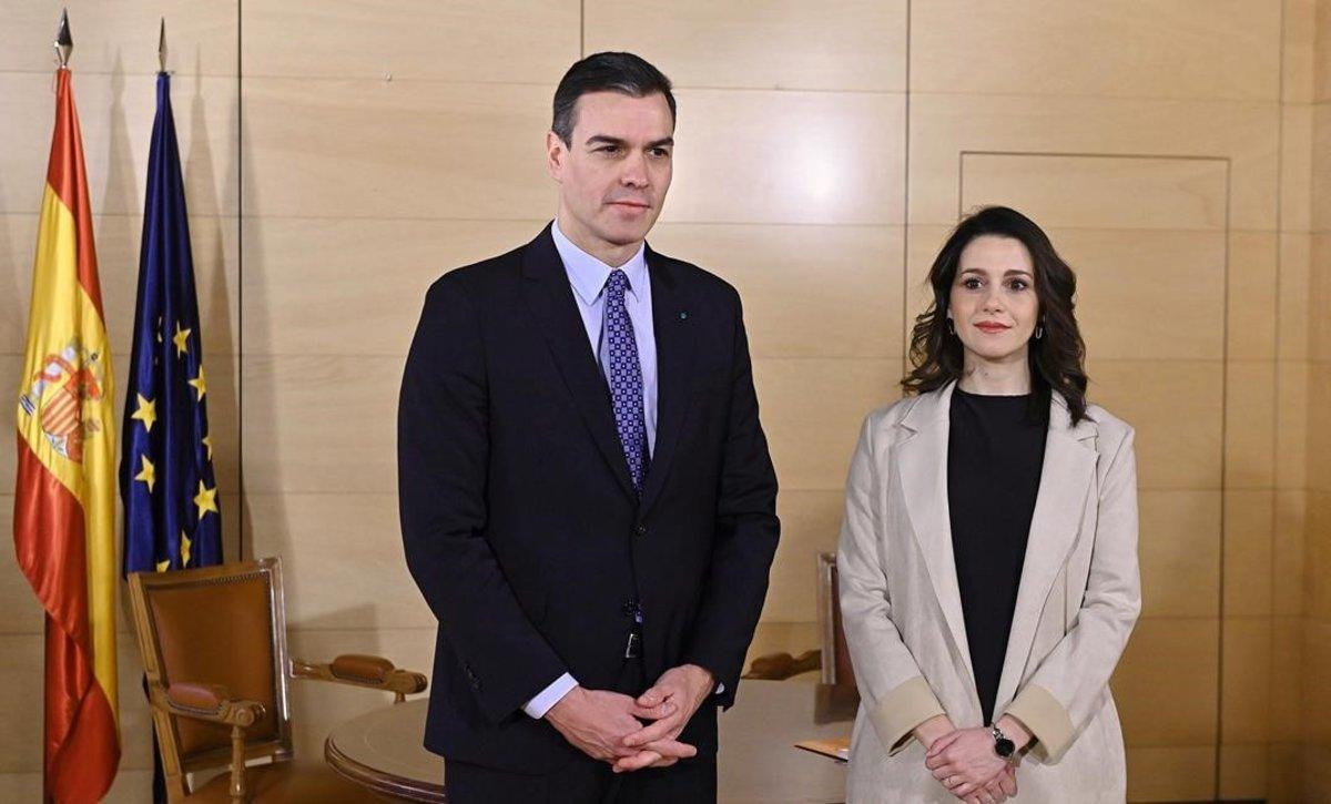Pedro Sánchez e Inés Arrimadas, en una reunión en diciembre del 2019.