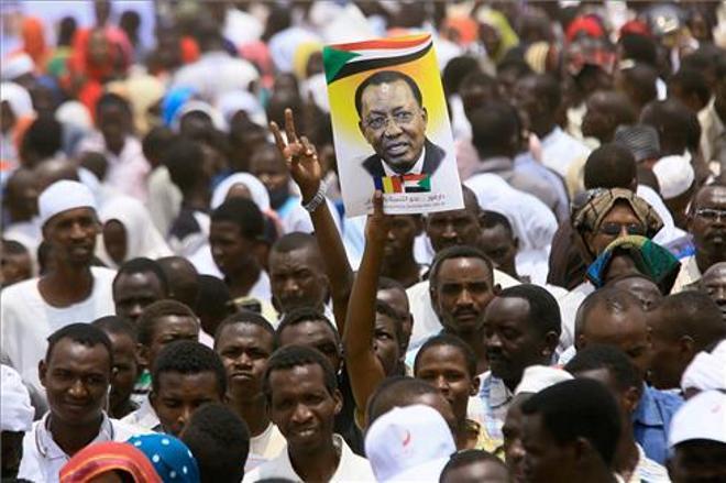 Muere el presidente del Chad en combate justo después de ser reelegido