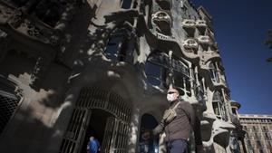 La Casa Batlló, en el Passeig de Gràcia, sin las aglomeraciones de turistas que se daban a diario antes de la pandemia.