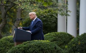 Trump replica a 'The New York Times' i diu haver pagat milions al fisc