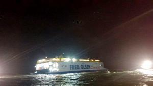 Un barc de Fred Olsen encalla en Canarias.