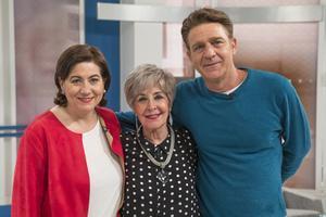 Luisa Martín, Concha Velasco y Juanjo Artero, en el programa de este sábado del programa de TVE-1 'Cine de barrio'.
