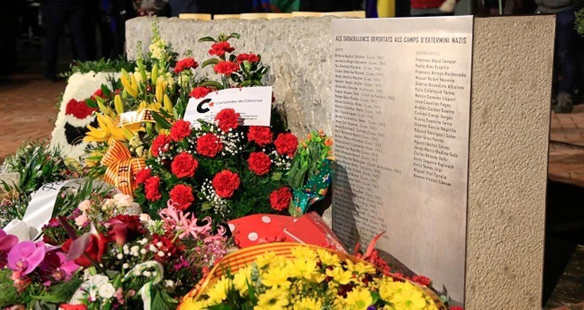 Monolito en memoria de los sabadellenses víctimas del nazismo y deportados a los campos de concentración nazis