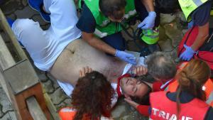 Un mosso ferit en l''encierro' ja va rebre una cornada el 2014