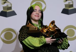 62nd Grammy Awards †Photo Room†Los Angeles, California, U.S., January 26, 2020 †Billie Eilish poses backstage with her awards to include Song of the Year for Bad Guy , Best New Artist, and Album of the Year for  When We All Fall Asleep, Where Do We Go?. REUTERS/Monica Almeida     TPX IMAGES OF THE DAY