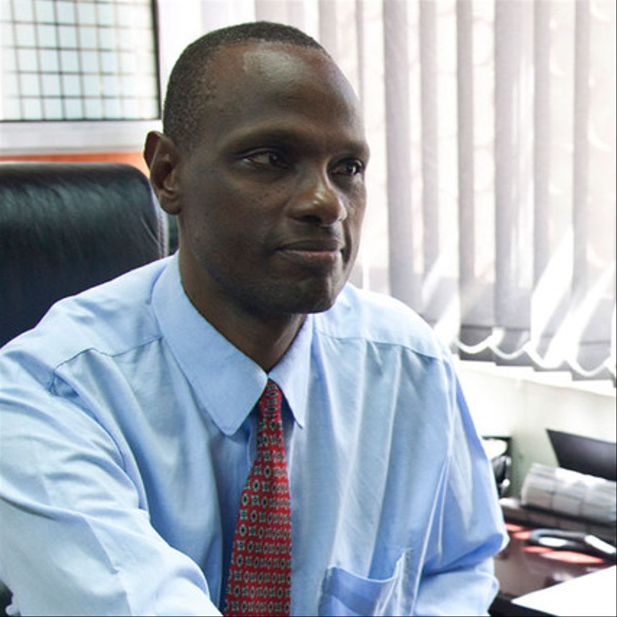 Meoli Kashorda, director de KENET (Red de Educación de Kenia)