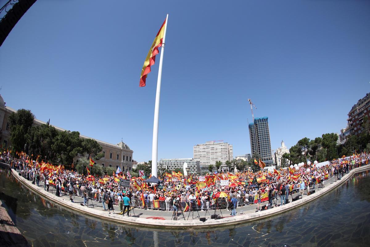 Un deslluït Colón i el triomf d'Espadas a Andalusia donen oxigen a Sánchez per als indults