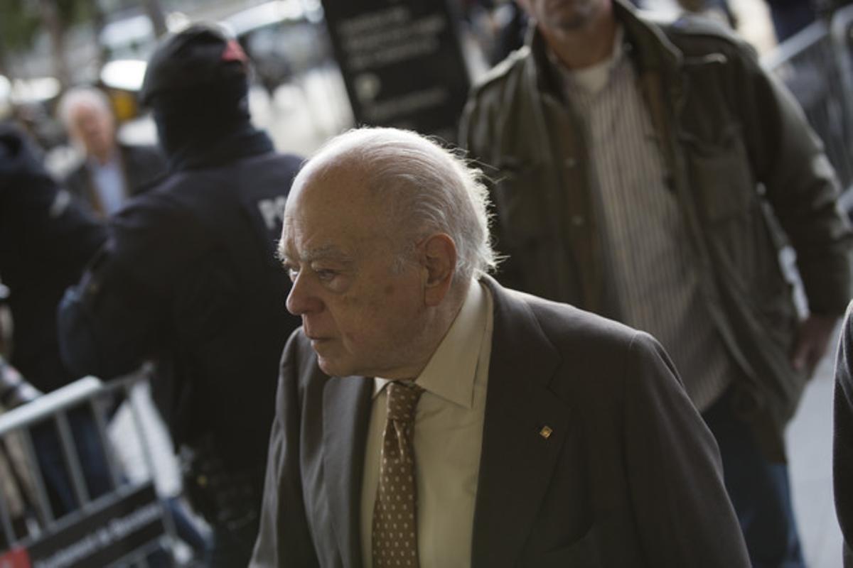 Jordi Pujol, a su llegada a los juzgados, el martes.