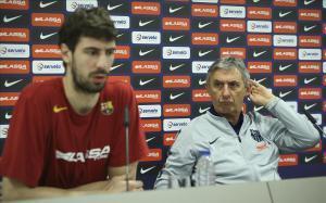 Ante Tomic y Svetislav Pesic, en la sala de prensa del Palau