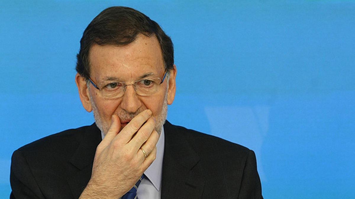 El presidente del Gobierno dice que son falsas las informaciones sobre el pago de sobresueldos en negro a la cúpula del PP.
