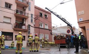 Muere un hombre al derrumbarse parcialmente un piso en Sabadell.