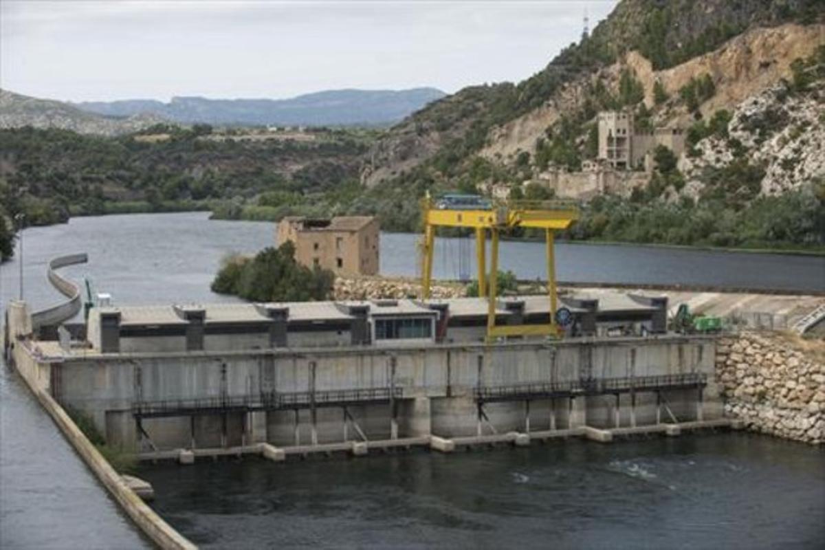 El azud de Xerta, que alberga una pequeña central hidroeléctrica.