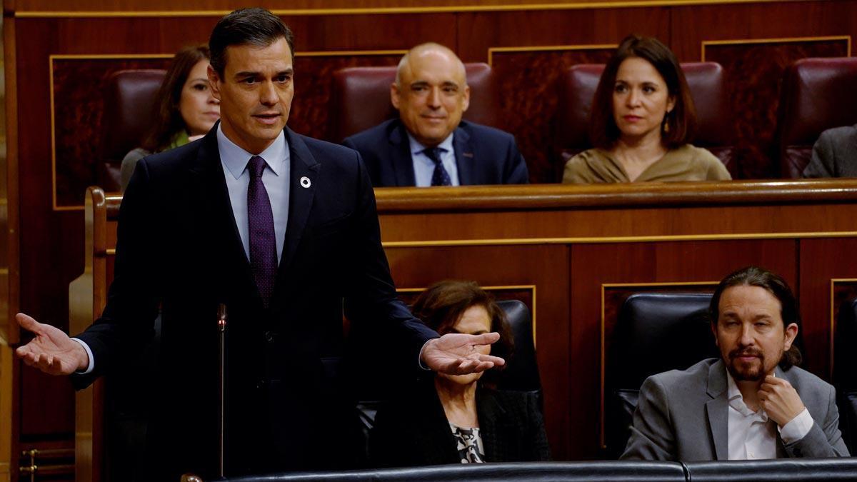 Pedro Sánchez echa en cara a Casado el balance lamentable del PP en Cataluña.