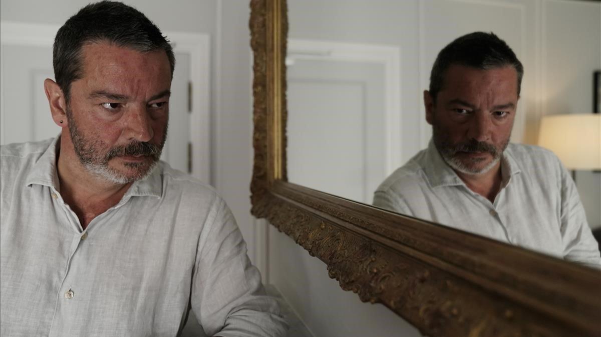 El director de 'Gigantes', Enrique Urbizo,en el Festival de San Sebastián, donde presentó su serie.