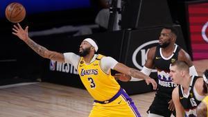 Anthony Davis, líder ante Denver de los Lakers en el cuarto partido.