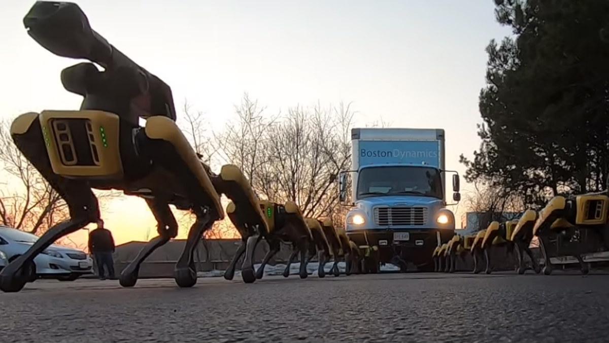 Així remolquen un camió 10 gossos robots de Boston Dynamics