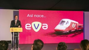 El ministro Íñigo de la Serna, en la presentación del nuevo servicio EVA.