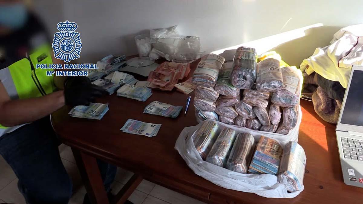 Desmantelada una organización que distribuía cocaína en localidades de Barcelona y Girona.