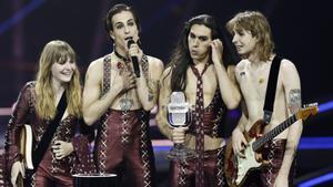 David Damiano, junto a su grupo, agradece el premio de Eurovisión.