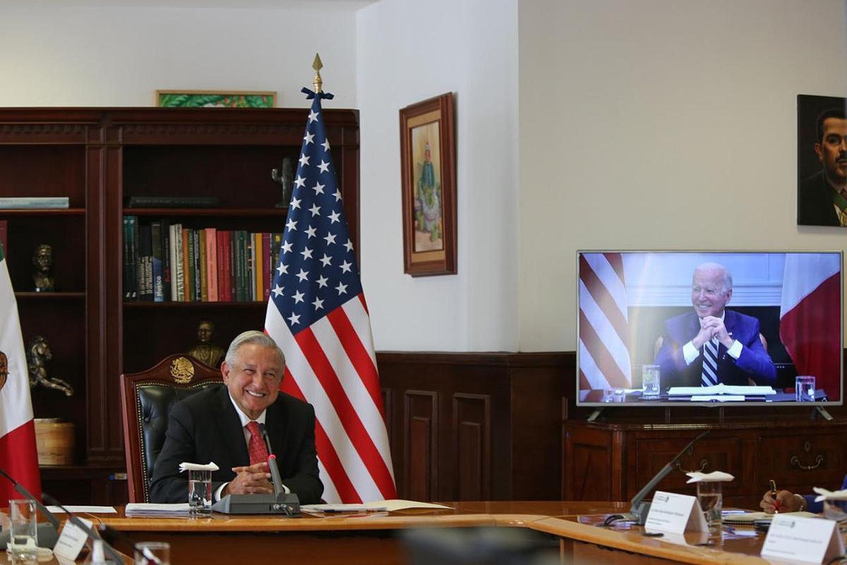López Obrador y Biden, durante su encuentro telemático.