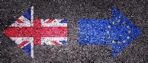 Banderas del Reino Unido y la Unión Europea.