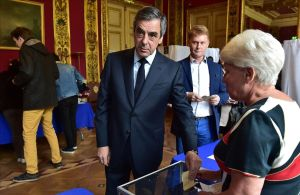 Fillon vota en París.