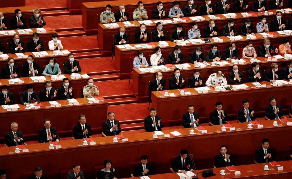 Sesión de aprobación de la ley de seguridad en Asamblea Nacional Popular de China, en Pekín.