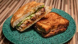 El bocadillo de papada y el sándwich de cruasán de Sants es crema