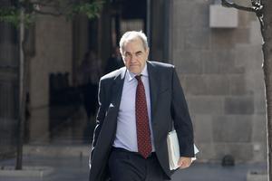 Ernest Maragall llega al Palau de la Generalitat.