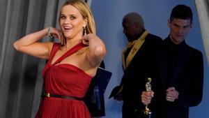 Reese Witherspoon, la 'rossa molt legal' que ha amassat un imperi de llibres i sèries