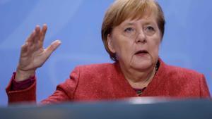 Merkel retira el confinament pactat per Setmana Santa davant les crítiques