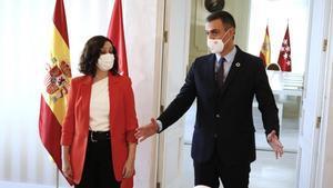 Sánchez i Ayuso aparquen la bronca i uneixen el seu destí contra el virus