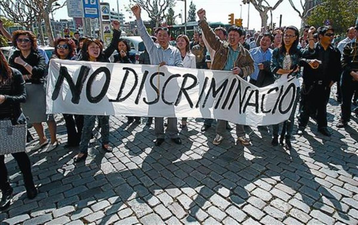 Protesta tras el suicidio del dueño del restaurante, en abril.