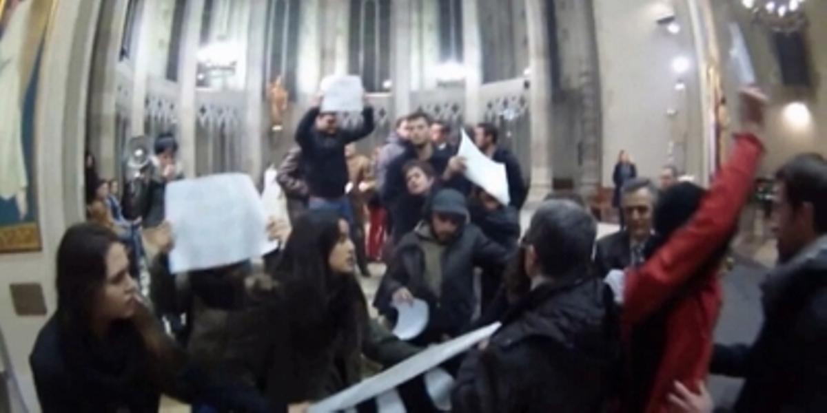 Protesta proabortista en la iglesia de Sant Fèlix en Sabadell
